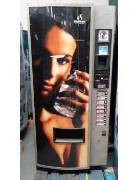 Expendedora de bebidas frías, 8 selecciones. Reacondicionada